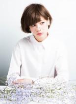 花×ショートボブ(髪型ショートヘア)