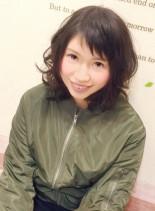 眉上ショートバングセミスタイル(髪型ミディアム)