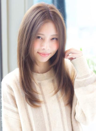 大人かわいいレイヤーストレート(髪型ロング)