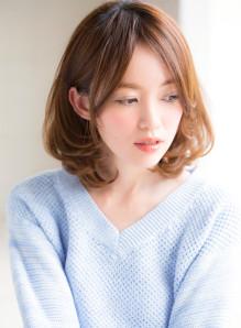 パーマ なし ミディアム 前髪 ミディアムヘアが似合わない女性の特徴!面長・丸顔さんにも似合うヘアスタイルは?