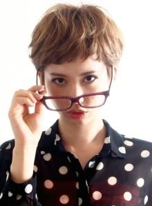 ☆眼鏡の似合う大人可愛いベリーショート☆(ビューティーナビ)