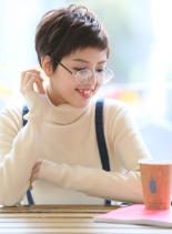 メガネも似合うマニッシュショート(髪型ショートヘア)