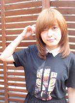 カジュアルレイヤースタイル(髪型ミディアム)