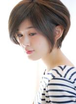 大人女性・耳かけカジュアルショート(髪型ボブ)