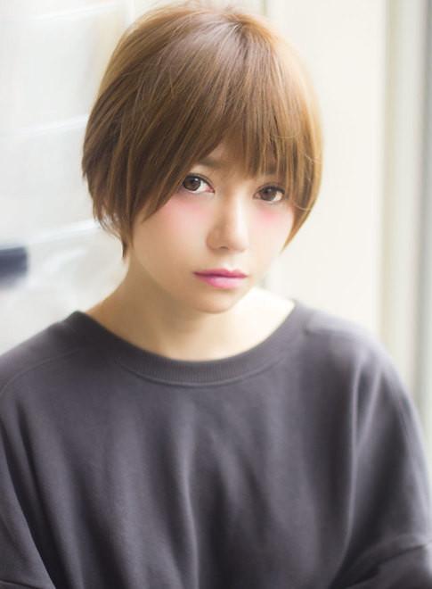 ショートヘア ニュアンス可愛いナチュラルショート Afloat Japanの