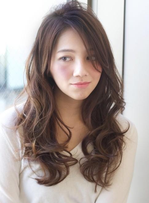 ロング】大人セクシーなグラマラスカール/AFLOAT JAPANの髪型