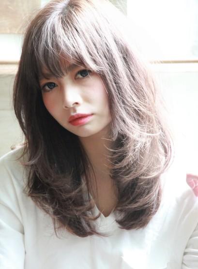 透明感重視の大人レイヤースタイル(髪型ロング)