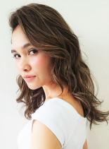 夏にぴったり外国人風ハイライト(髪型ロング)