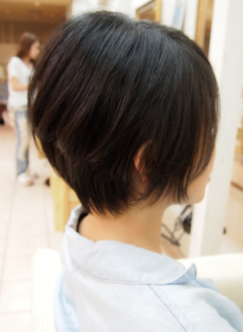 ボブ ミセス似合う髪型 前下がりショートボブ Virgoの髪型 ヘア