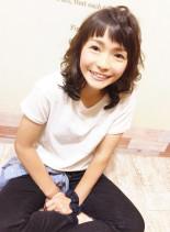 前髪短め無造作スタイル(髪型ミディアム)