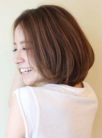 大人女性・シルエットが綺麗なボブスタイル(髪型ボブ)