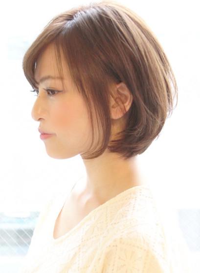 シルエットが綺麗なショートスタイル(髪型ボブ)