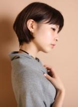 耳かけ艶さらストレートショートボブ(髪型ショートヘア)