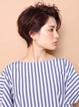 かきあげの似合うウェットスタイル(髪型ショートヘア)