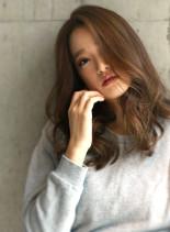 秋のセクシー透明感パールグレーロング(髪型ロング)