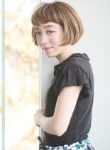 丸みのある艶ショートボブ(髪型ショートヘア)