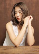 ミディアムリラックスパーマ(髪型ミディアム)