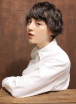 外国人風大人ウェーブスタイル(髪型ショートヘア)
