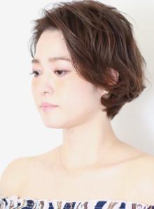 大人の髪型☆前髪かきあげシンプルショート(ビューティーナビ)