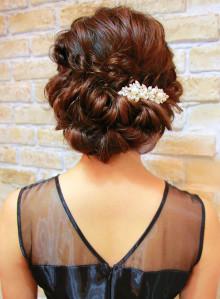 編み込みヘアセット(ビューティーナビ)