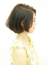 シルエットがきれいなショートボブ(髪型ボブ)