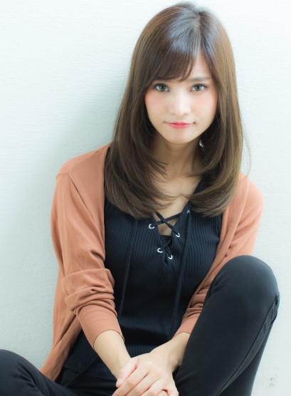小顔レイヤーミディアム(髪型ロング)