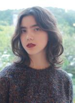 艶、透明度抜群な外国人風カラー&メイク(髪型ミディアム)