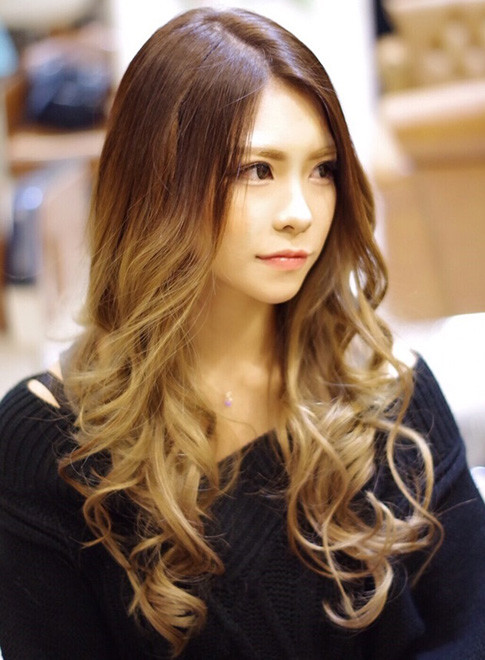 ロング】外国人風グラデーションカラー/美容室Luteaの髪型・ヘア