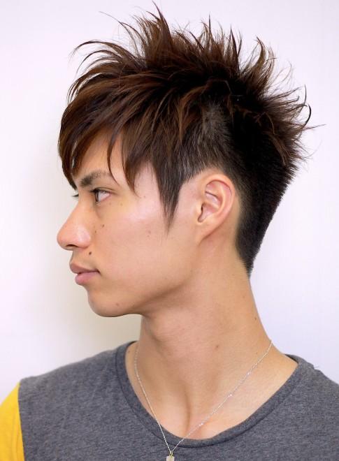 前髪長めのツーブロック刈り上げメンズ髪型(髪型メンズ)(ビューティーナビ)