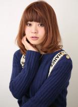 厚めバングフェミニンボブ(髪型ミディアム)