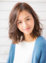 大人な雰囲気のラフパーマミディアム(髪型ミディアム)