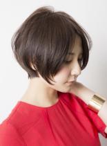 大人の女性に似合う黒髪ショートスタイル(髪型ショートヘア)