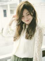 イルミナカラー×ヌーディーベージュ(髪型ロング)