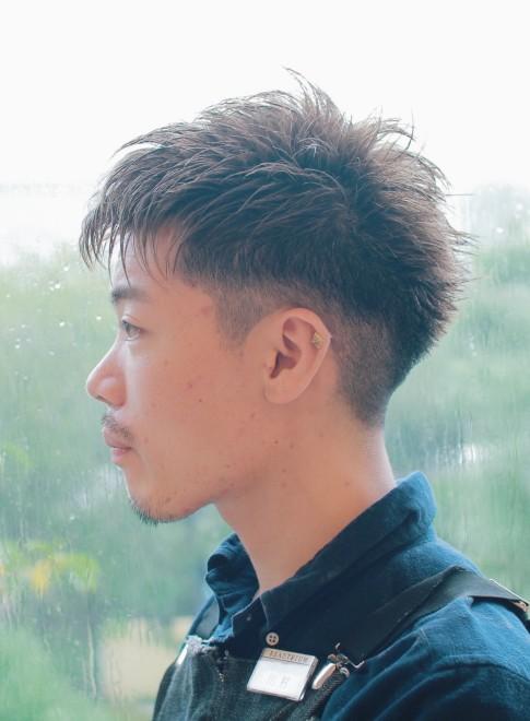 ソフトモヒカングラデーション刈り上げ(髪型メンズ)(ビューティーナビ)