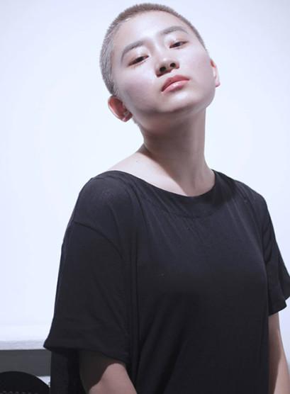 TRIANGLE スポンテニアス(髪型ベリーショート)