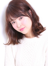 潤い肌+つや髪(髪型ミディアム)