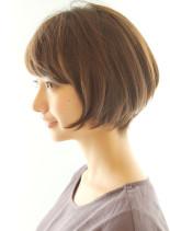 頭の形が綺麗に見えるショートスタイル(髪型ボブ)