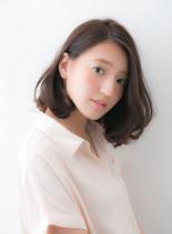 30代40代からのふんわりパーマスタイル(髪型ミディアム)