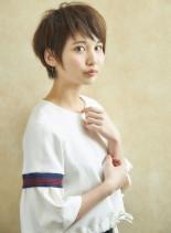 耳掛けショートスタイル(髪型ショートヘア)