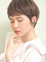 女性らしさの出せるショートスタイル(髪型ショートヘア)