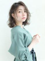 大人の抜け感ウェットミディ(髪型ミディアム)