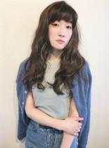 大人かわいいランダムウェーブヘア(髪型ロング)