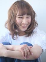 ふわふわな柔らかなフェミニンパーマ(髪型ミディアム)