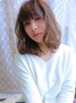 透けるホワイティカラー(髪型ボブ)