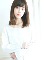 ストレート内巻きスタイル(髪型セミロング)