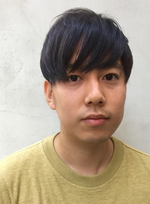 前髪長めのツーブロック無造作ショートヘア(髪型メンズ)(ビューティーナビ)