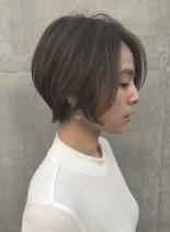 前髪長めショート (髪型ボブ)