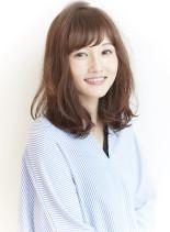 きれいめカジュアルなミディアムヘア(髪型ミディアム)