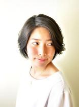 40代の方におすすめの小顔ひし形ショート(髪型ショートヘア)
