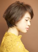 エフォートレスなハニーヘアで斜めバング☆(髪型ショートヘア)